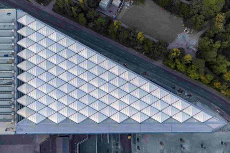 Membrandach aus Glasfasergewebe für die Neue Messe Süd in Düsseldorf