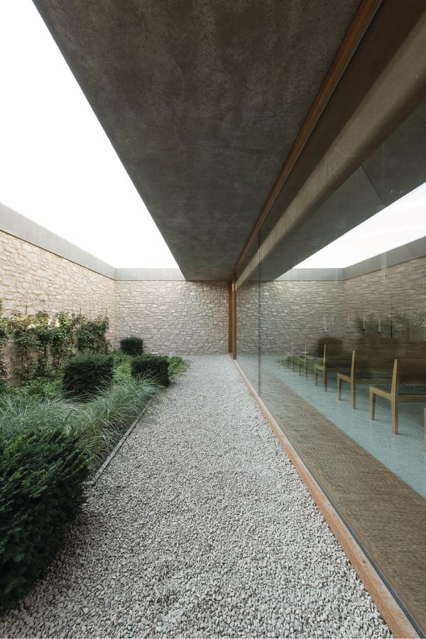 aussegnungshalle in ingelheim am rhein stein hof und. Black Bedroom Furniture Sets. Home Design Ideas