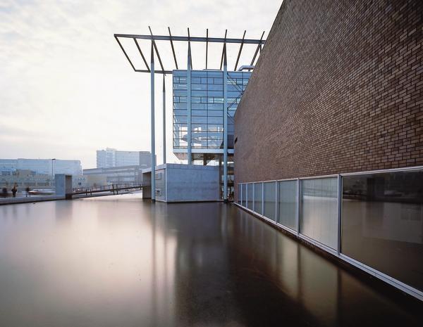 Das nieuwe instituut in rotterdam will architektur for Architektur 80er jahre