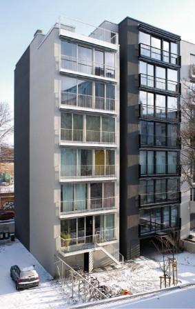 mehrfamilienhaus flottwell zwei in berlin die macht der zur ckhaltung db deutsche bauzeitung. Black Bedroom Furniture Sets. Home Design Ideas