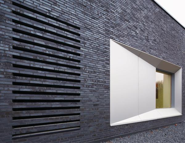 schulsporthalle mit kulturforum in hamburg dunkler stein. Black Bedroom Furniture Sets. Home Design Ideas