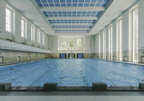 Anerkennung schwimmhalle finckensteinallee in berlin for Finckensteinallee schwimmbad