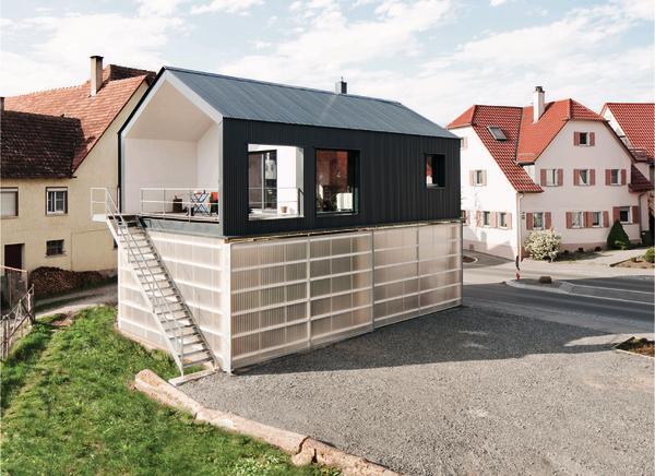 haus unimog wohnung und werkstatt in ammerbuch wohn. Black Bedroom Furniture Sets. Home Design Ideas
