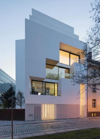 Wohnen an der alten stadtmauer in berlin ein haus wie eine stadt sepsitename for Berlin moderne architektur