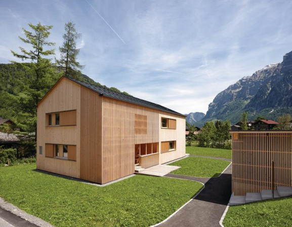 vorgefertigte feriendomizile tinn 39 in vorarlberg und vipp shelter in s dschweden konsequent. Black Bedroom Furniture Sets. Home Design Ideas