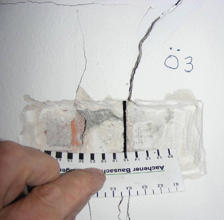 bewertungsprobleme durch ursachen berlagerung risse im mauerwerksbau sepsitename. Black Bedroom Furniture Sets. Home Design Ideas