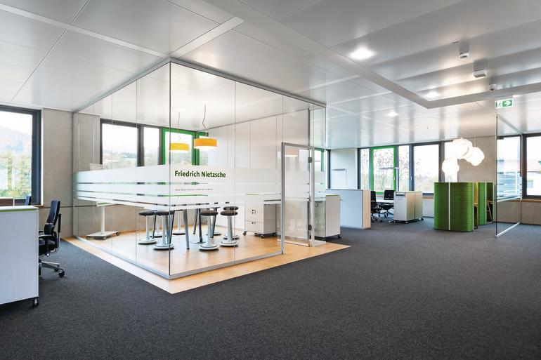 Moderne bürokonzepte  moderne Arbeitsumgebung dank intelligenter Büroplanung. Trennwände ...