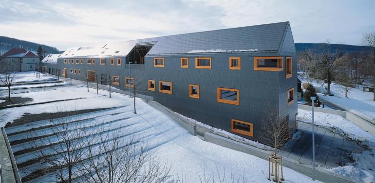 Neuorganisation der trumpf werke in neukirch traditionell for Traditionell modern bauen