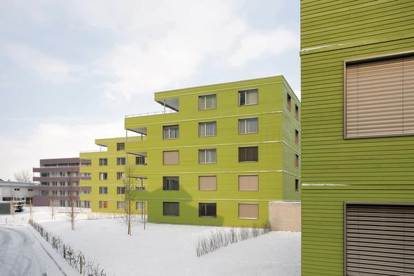 Wohnsiedlung Schönegg In Littau CH Farbige Insel Im Monotonen - Farbige betonplatten