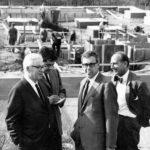 Foto Baustelle des Mainzer Rathauses mit Arne Jacobsen und Otto Weitling