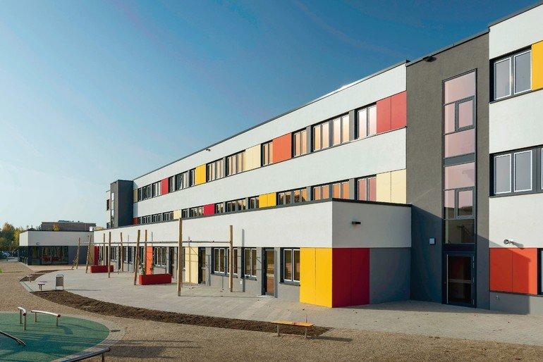 Aussenaufnahme_Grundschule_Schwerin.jpg