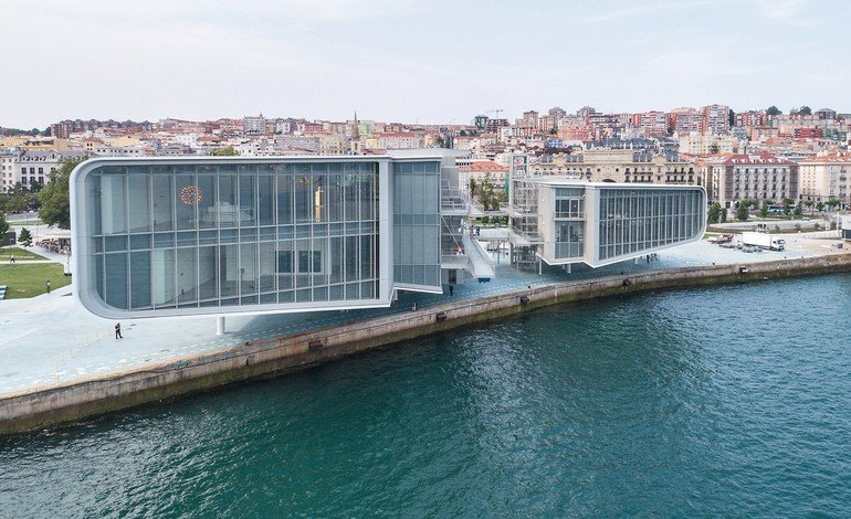 Cnetro_Botín_by_Renzo_Piano_in_Santander_-_SPAIN