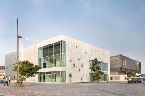 Deutsches-Auswandererhaus-Fassade.jpg