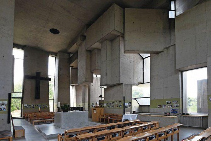 """Wien,_Kirche_zur_Heiligsten_Dreifaltigkeit_(""""Wotrubakirche"""")_(1976)"""