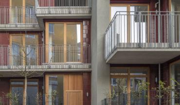 Gestaffelte Townhouses in München von Meili Peter Architekten