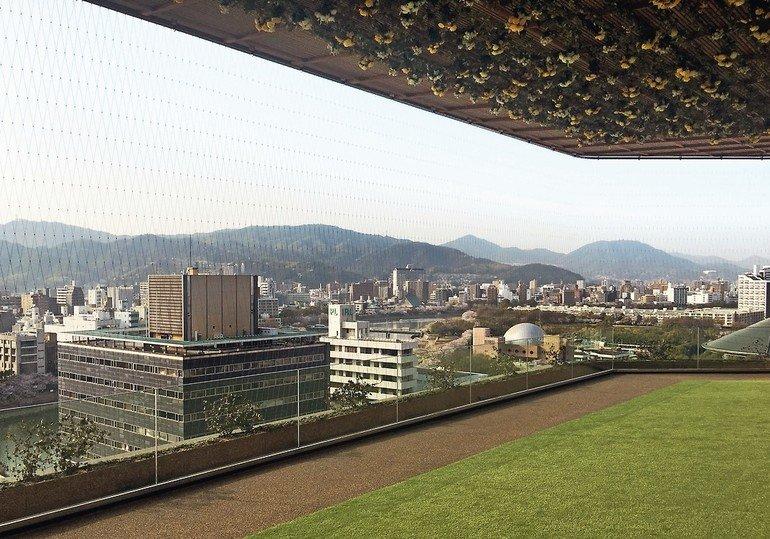 Orizuru_Tower_Hiroshima_Jakob_Webnet_(3).jpg