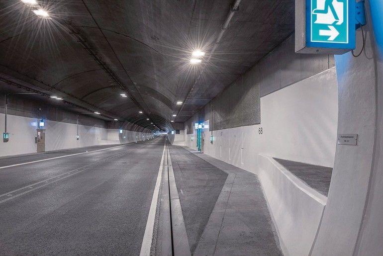 Tunnel_bleiben_hell_ohne_Graffiti_und_damit_sicher