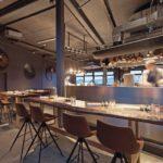 200,1_Michelin_Stern,__www.100200.kitchen,_Chef:_Thomas_Imbusch,_Regionale_Themenkueche,_Blick_auf_die_Elbe,_nahe_Elbbruecken,_Kunst:_Oliver_Gevert_Lauenburg,