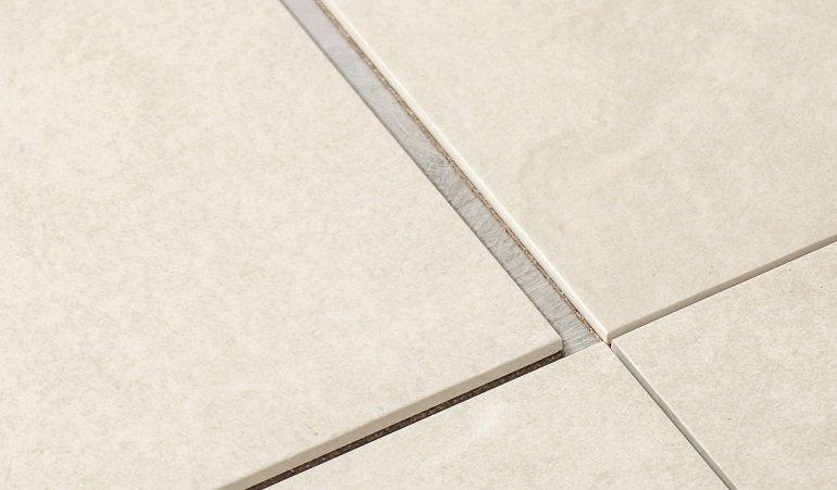 drytile von agrob buchtal schnell trocken und reversibel fliesen db deutsche bauzeitung. Black Bedroom Furniture Sets. Home Design Ideas