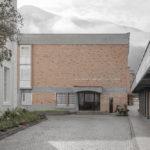 Haupteingang der Cusanus Akademie Brixen