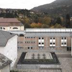 Platz vor der Cusanus Akademie Brixen