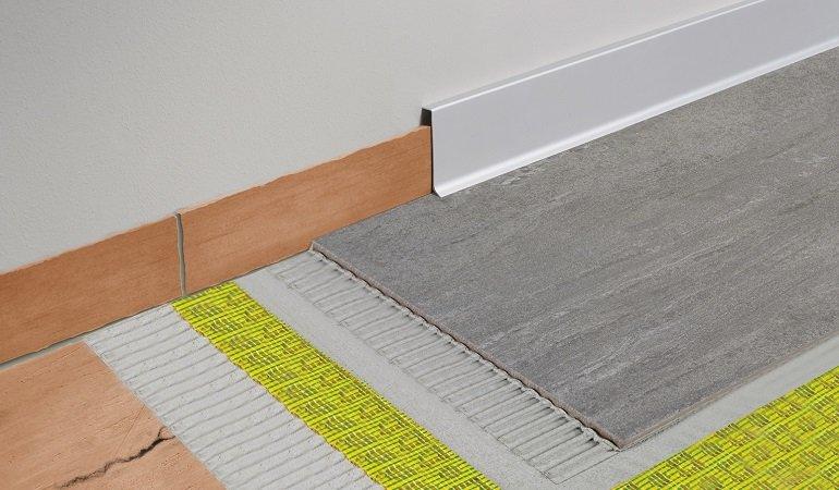 construct reno von dural alte sockelleisten verstecken db deutsche bauzeitung. Black Bedroom Furniture Sets. Home Design Ideas