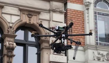 Mit seiner Drohne erfasst Architekt Jan Hendrik Eicker Bauschäden