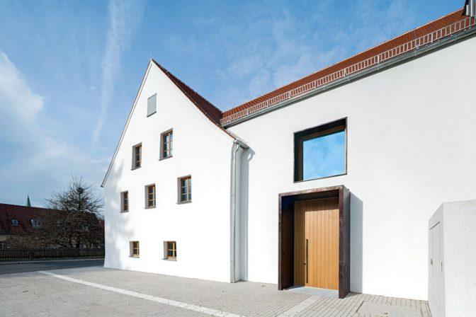 wachgek sst ehemaliges kloster in neumarkt i d opf. Black Bedroom Furniture Sets. Home Design Ideas
