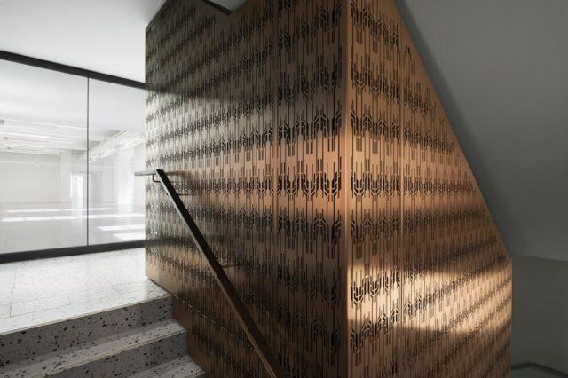 Aufzugsschacht im Gaslight Building London von bureau de change