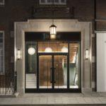 Eingang des Gaslight Building London von bureau de change