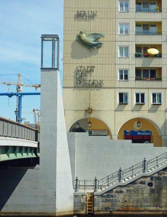 db1019Einstieg_Nikolaiviertel_1237_cmyk.jpg