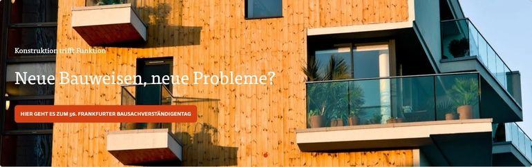 Schriftauf Holzhaus mit Fenstern..